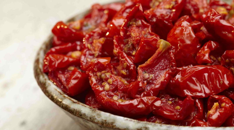 Как приготовить сушеные томаты?